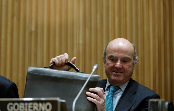 Guindos contraataca y recuerda que Bankia manipuló la cotización y las cuentas con Rato