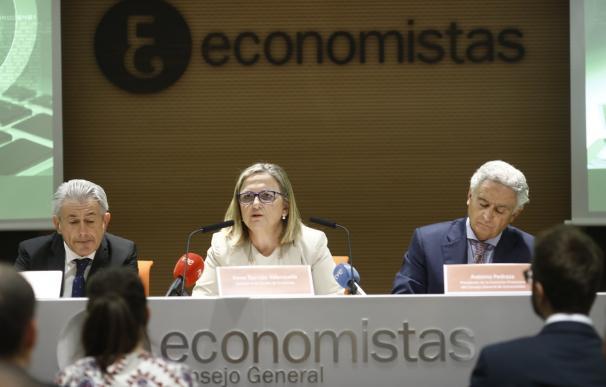 El Consejo de Economistas ve positiva la economía pero alerta de las tensiones geopolíticas