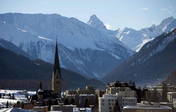 Davos pide un contrato social para que el estado del bienestar sobreviva