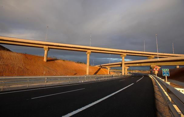 """UPyD dice que posible """"rescate"""" financiero de autopista Cartagena-Vera ejemplifica """"descontrol"""" de toda administración"""