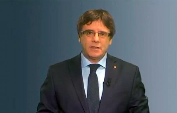 Fotografía de Puigdemont en su mensaje grabado en vídeo sobre la