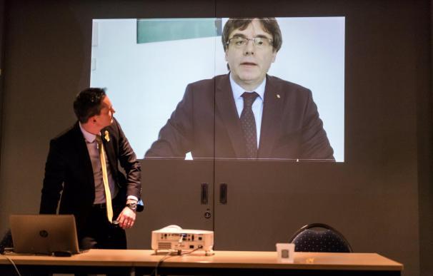 Carles Puigdemont en un vídeo en el que ofrece un discurso a los jóvenes seguidores del partido Nueva Alianza Flamenca