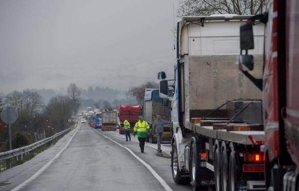 El temporal afecta ya a vehículos pesados