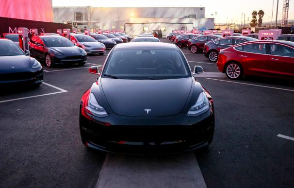 Fotografía Tesla Model 3 para portada