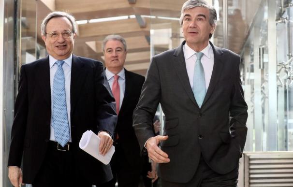 Rafael Villaseca (izquierda), con el nuevo presidente de GNF, Francisco Reynés.