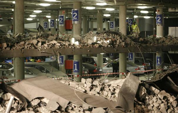 Parking de la T4 tras el atentado en 2006