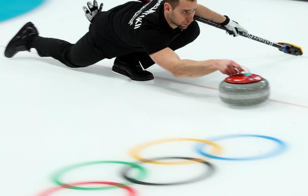 Aleksandr Krushelnitckii en un entrenamiento durante los Juegos de Invierno de PyeongChang (EFE/EPA/JAVIER ETXEZARRETA)