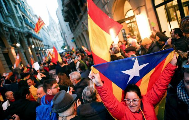 El Gobierno estalla por el desplante a Felipe VI y teme por el futuro del Mobile World Congress
