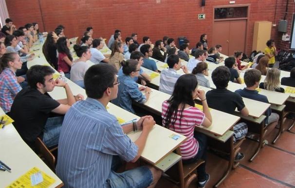 La Universidad de Granada oferta un campus de Ingeniería solo para chicas.