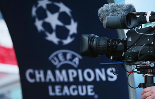 Los derechos de la Champions salen a la venta.