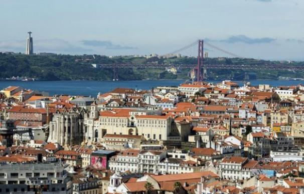 """Fotografía facilitada por el Ayuntamiento de Lisboa, de una vista de la ciudad desde uno de los """"miradouros"""". Foto: EFE / Armindo Ribeiro"""