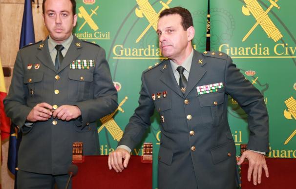 El teniente coronel Jefe Accidental de la Comandancia de Almería y el comandante de la UCO