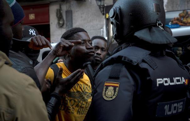 Enfrentamientos durante la concentración en la plaza de Nelson Mandela, en Lavapiés