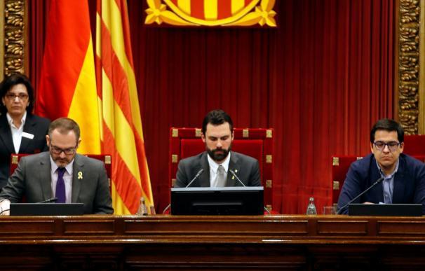 El candidato de Junts per Catalunya (JxCat) , Jordi Turull, al comienzo de su discurso ante el pleno del Parlament (EFE/Alberto Estévez)