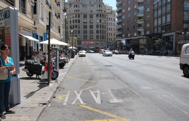 """Taxistas valencianos se unen a la jornada de huelga estatal para """"llamar la atención sobre el problema"""" de las VTC"""