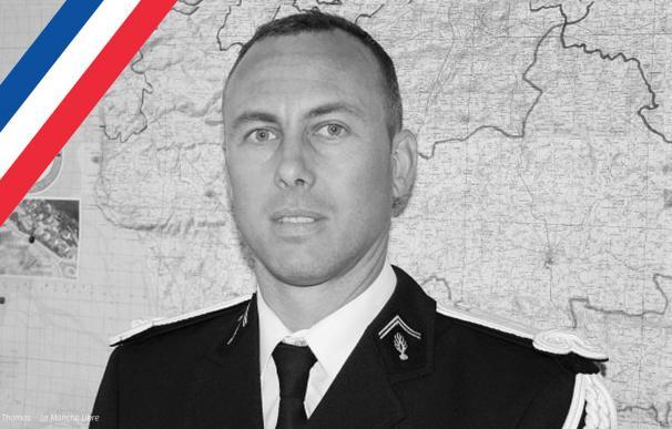 Muere el gendarme que se cambió por un rehén en el atentado de Trèbes