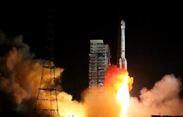 Lanzamiento de satélites de comunicaciones chinos en diciembre de 2017 (Xinhua)