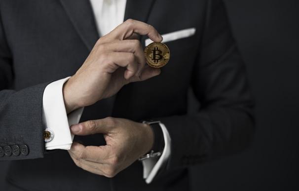 La inversión en criptomonedas es mayoritariamente masculina / Pixabay