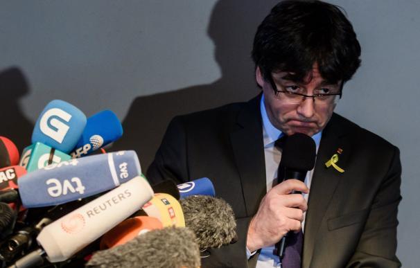 El expresidente catalán Carles Puigdemont ofrece una rueda de prensa en Berlín (Alemania) hoy, 7 de abril de 2018.