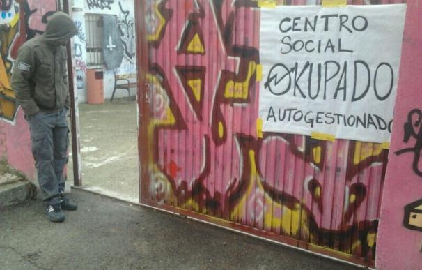 Abren una casa 'okupa' en Rivas en un antiguo edificio de la Guardia Civil