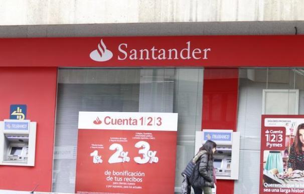 Cobros por duplicado en las tarjetas a clientes del Banco Santander por un error