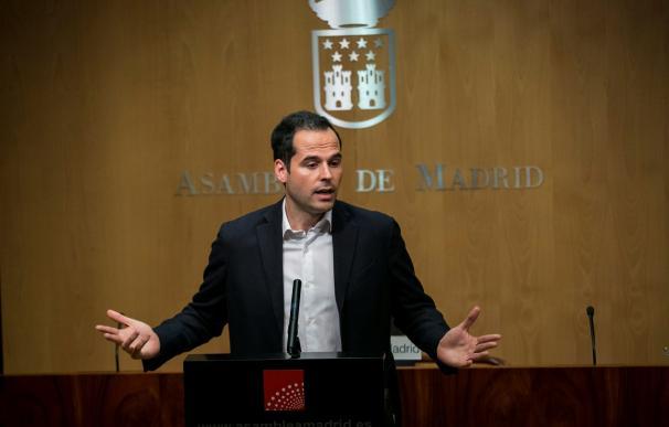 Ignacio Aguado durante la rueda de prensa en la Asamblea de Madrid