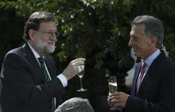Fotografía de Rajoy con Macri