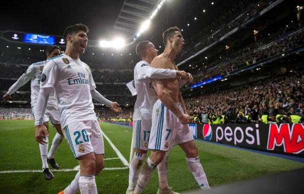 Cristiano Ronaldo celebra el gol de penalti que llevó al Madrid a las semifinales de Champions