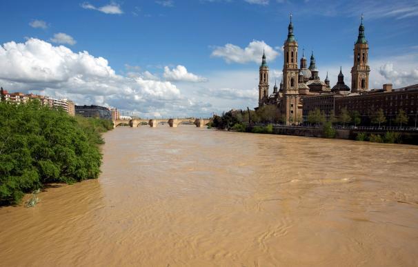 Fotografía del río Ebro a su paso por Zaragoza