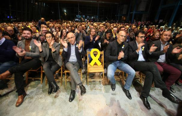Raül Romeva, Lluís Salvadó y Gabriel Rufián en un mitin de ERC