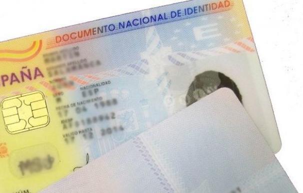 Un documento nacional de identidad de España.