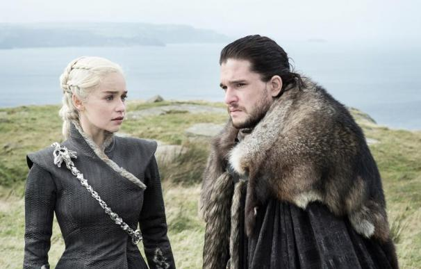 Fotografía de Daenerys Targaryen y Jon Snow.