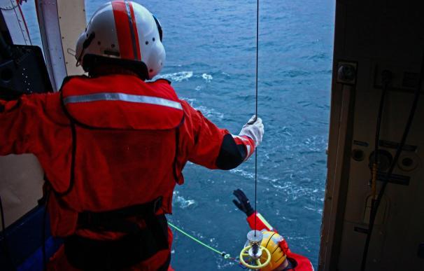 El Helimer 211 de Salvamento Marítimo en una operación de rescate anterior (Foto: @salvamentogob)