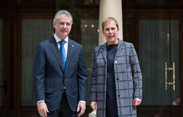 """Urkullu y Barkos sellan una """"alianza"""" para defender el autogobierno vasco y navarro de los """"ataques"""" del PP"""