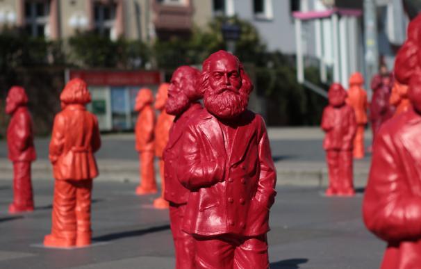 El centro de Tréveris se ha engalanado con decenas de estatuas de Marx / Cordylus