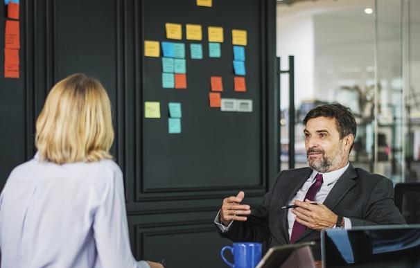 ¿Qué hacer si te piden puentear a tu jefe directo? / Pixabay