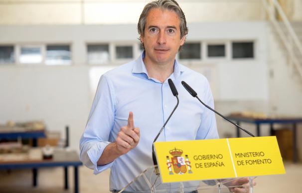 El ministro de la Serna presenta en Santander la nueva sede de la Fundación Enaire (EFE/Román G. Aguilera)