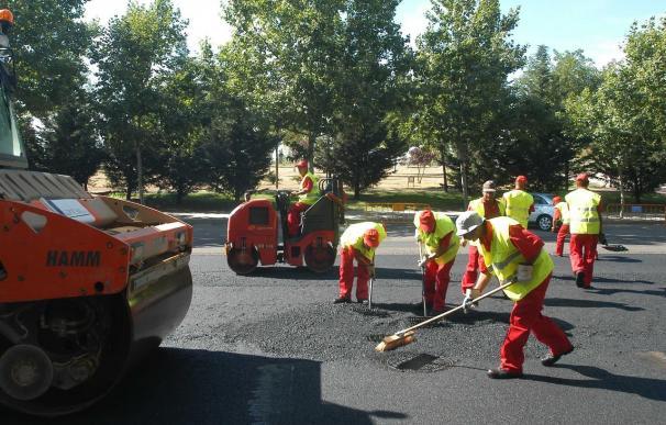 La operación asfalto volverá a la capital desde 2014 con el nuevo contrato integral de infraestructuras viarias