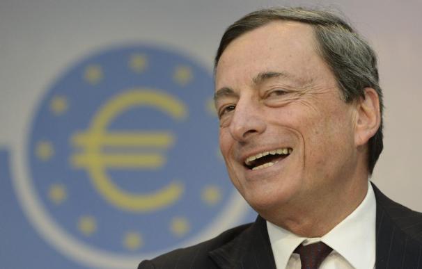 El presidente del Banco Central Europeo (BCE), Mario Draghi, comparece en una rueda de prensa ofrecida en Fráncfort (Alemania).