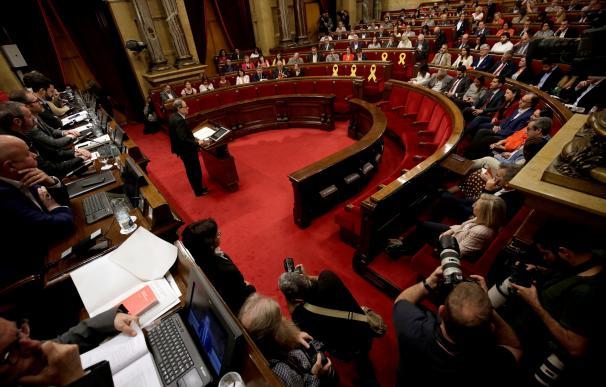 El candidato de JxCat a ser investido presidente de la Generalitat, Quim Torra en la primera sesión del debate de investidura en el Parlament. EFE/Alberto Estévez