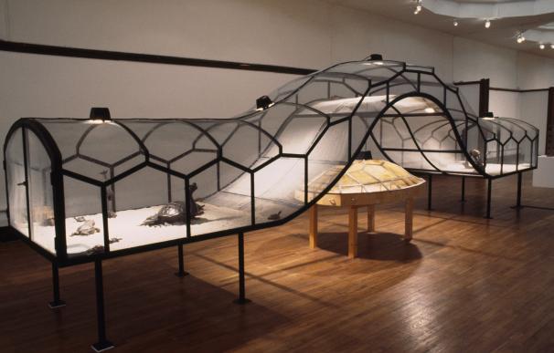 El teatro del mundo (Theater of the World), 1993 (Huang Yong Ping, Museo Guggenheim Bilbao)