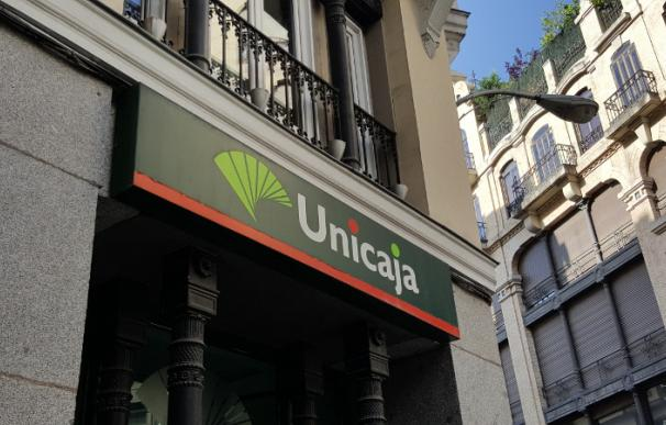 Fotografia de una sucursal de Unicaja