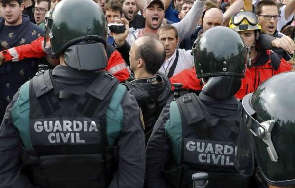 La Guardia Civil retira a los agentes que destinó al 1-O los pluses cobrados de forma indebida