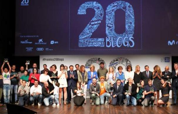 Foto de familia de los Premios 20Blogs. JORGE PARÍS/20 Minutos