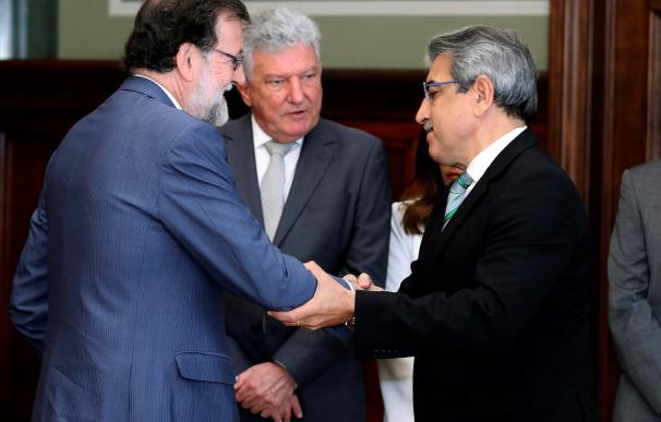 Rajoy logra el apoyo de Nuevas Canarias