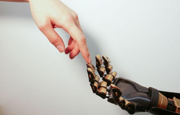 La robotización afectará (para mal) al derecho de huelga y a los horarios