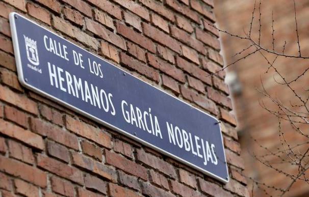 Placa de la calle Hermanos García Noblejas./ EFE