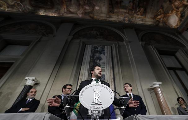 Salvini amenaza con ir a elecciones si no se acepta su ministro de Economía