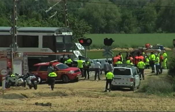 Los servicios de emergencia no pudieron hacer nada por los ocupantes del vehículo (Imagen: TV3)