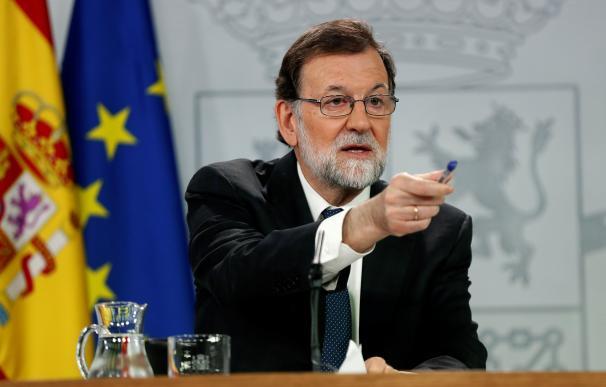 - El presidente del gobierno Mariano Rajoy, durante su comparecencia ante los medios de comunicación este mediodía en el Palacio de la Moncloa.- EFE/Chema Moya